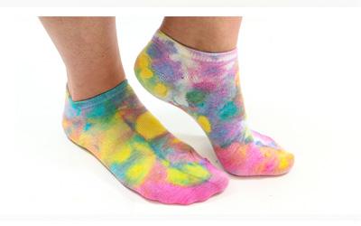 DIY Socken im Batik-Stil